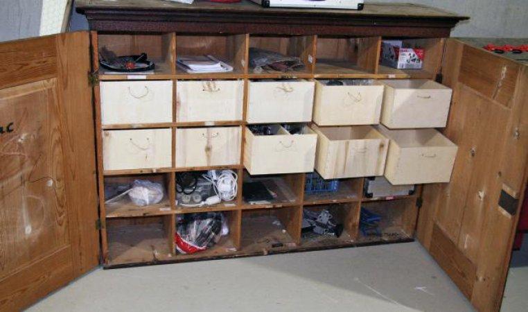 Zehn Eigenbau-Schubladen sorgen für Ordnung im Keller